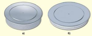 Типы капсульных корпусов: W52 (а) и W59 (б)